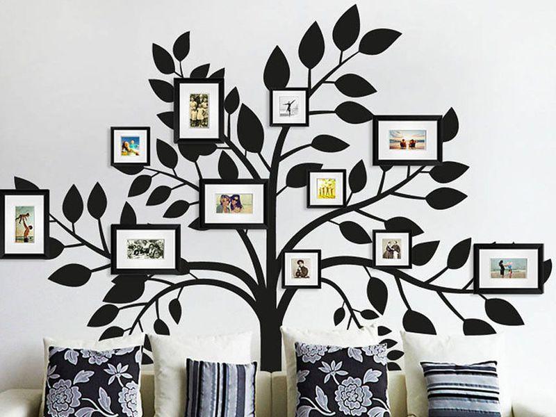 трафаретный декор стены с изображением фамильного дерева