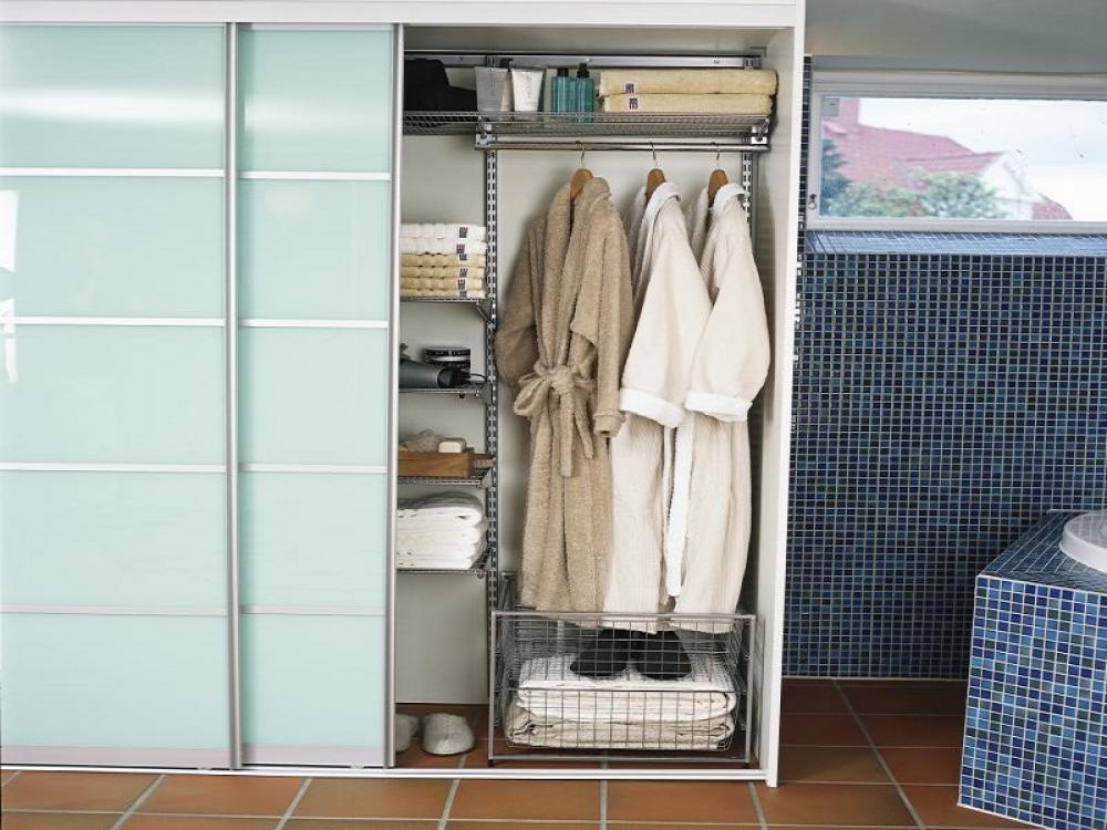 шкаф-купе с халатами