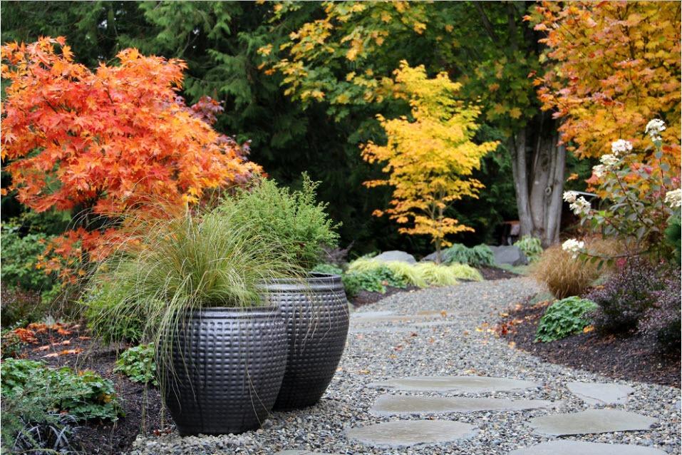 Подборка Уличные вазоны для цветов: роскошный декор садового участка на фото