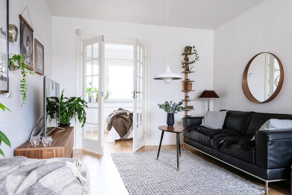 Светлая отделка для небольшой комнаты
