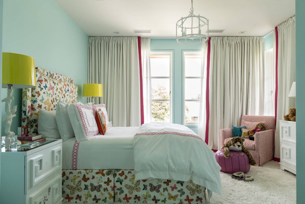 Комната для девочки в голубых тонах
