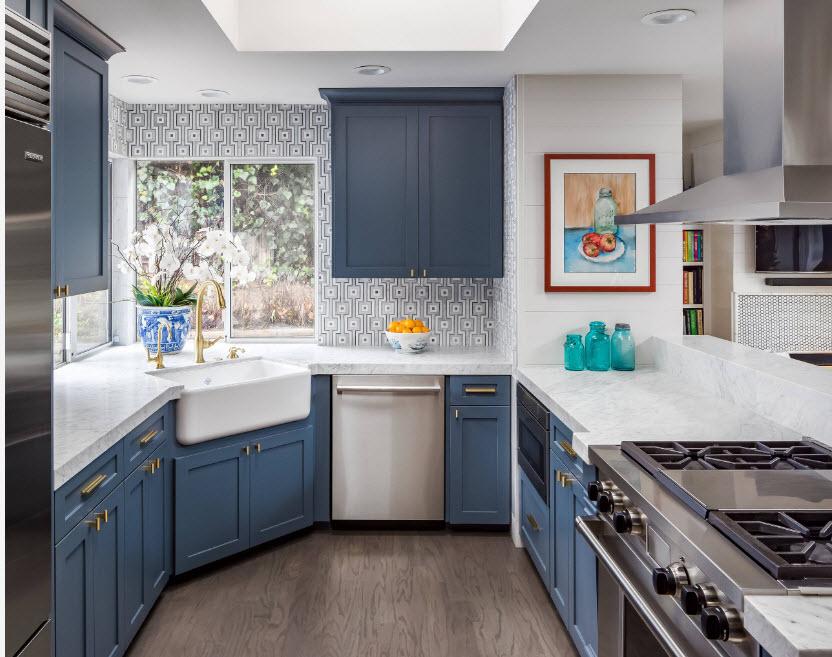Кухня в серо-синих тонах