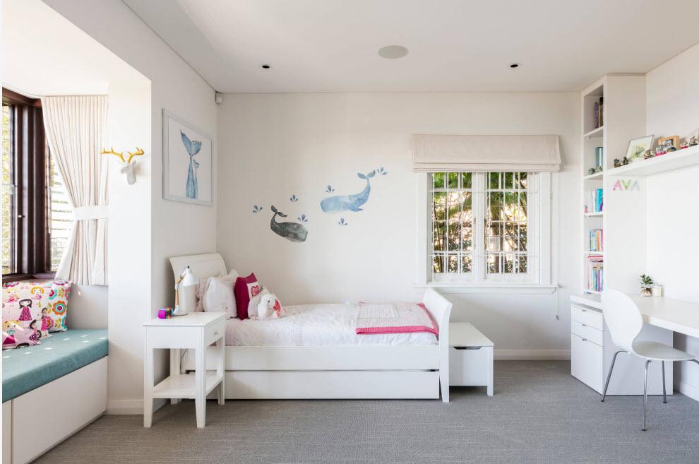 Светлый интерьер комнаты ребенка