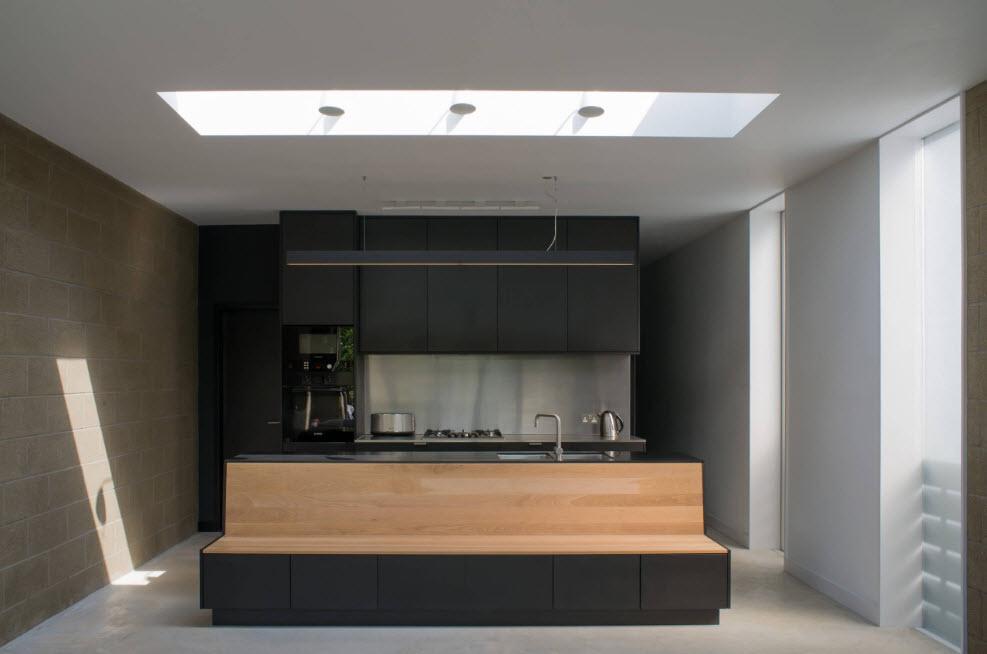 Темный кухонный гарнитур