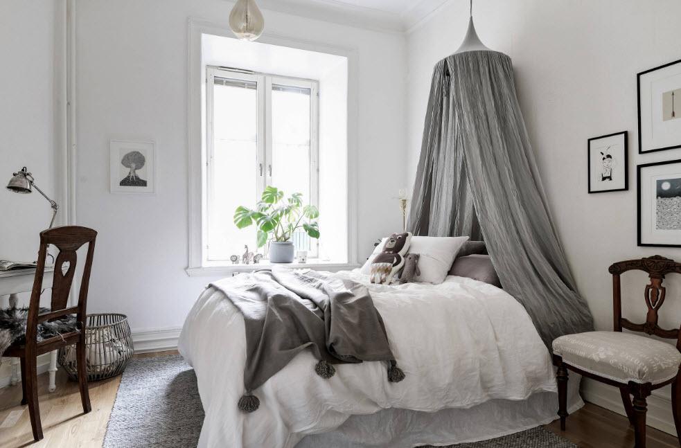 Спальное место с пологом