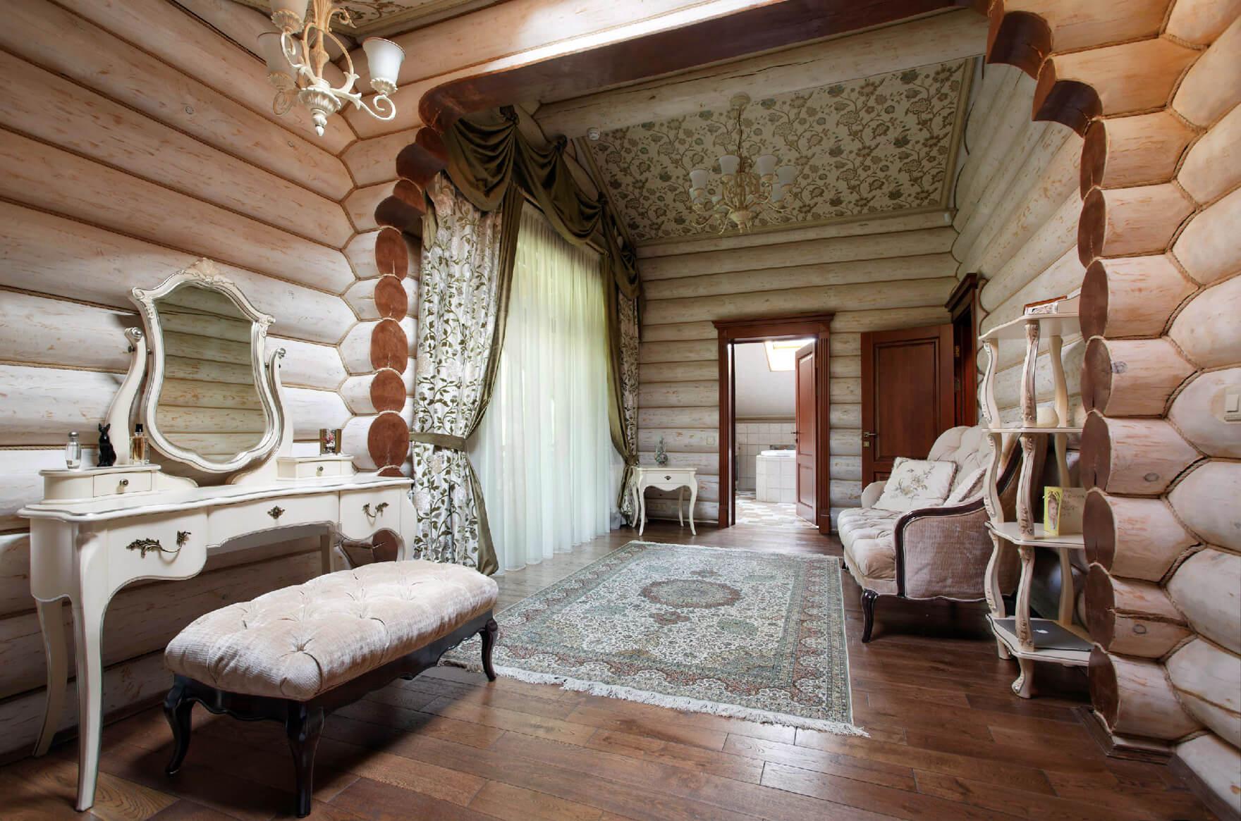 белый деревянный домик