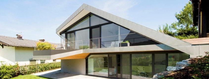 дачный дом с мансардой под стеклом