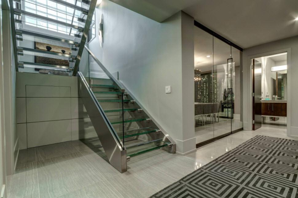 двухмаршевая стеклянная лестница