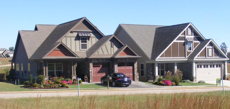 дом с гаражом и мансардным помещением