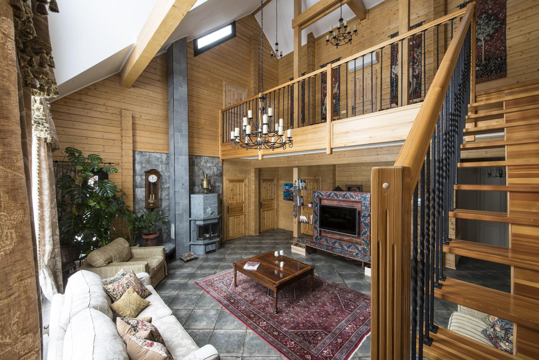 интерьер современного двухэтажного дома