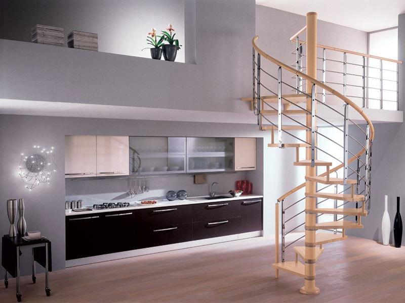 красивая витая лестница на мансарду