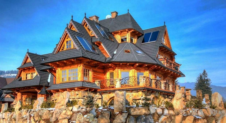 сказочный дом из дерева