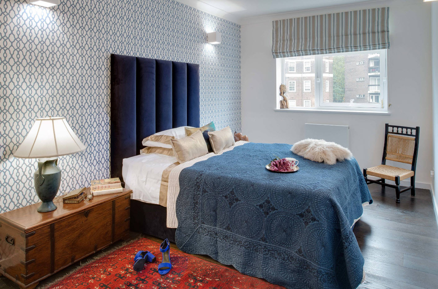 спальня в серо-синих цветах