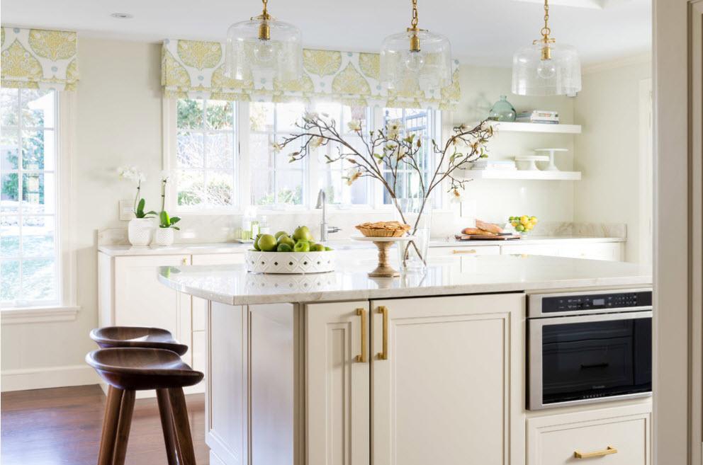 Светлый интерьер кухонного помещения