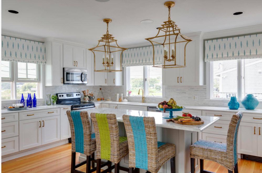 Римские шторы в кухонном интерьере