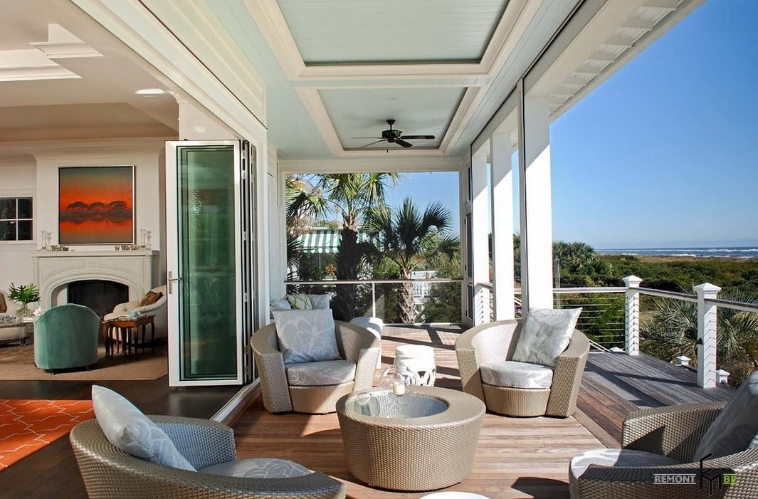 Современные материалы на балконе