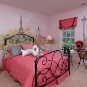 Розовые фотообои в интерьере