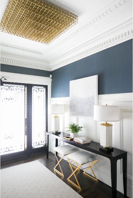 Бело-синий дизайн