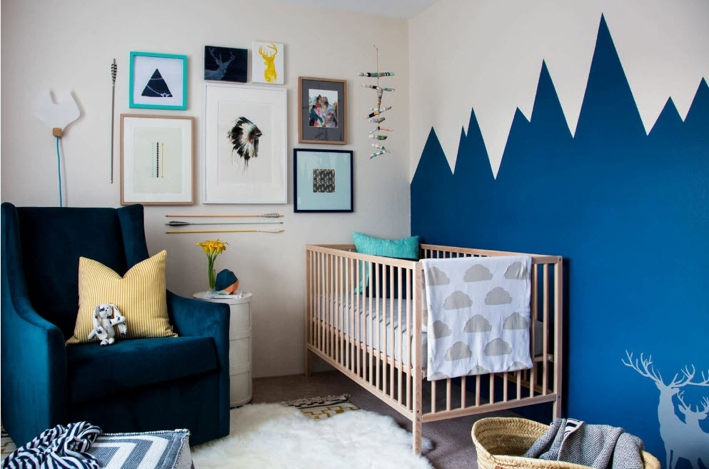 Яркий синий цвет для детской