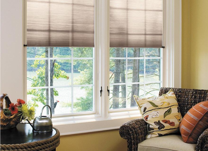 Рулонные шторы на пластиковые окна: интересные варианты