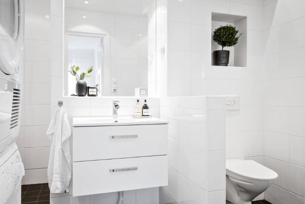 Белоснежный интерьер ванной