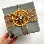 Как красиво упаковать подарок в бумагу, коробку, ткань: фото-идеи и мастер-классы