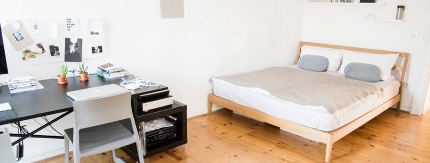 Сочетание натуральных оттенков в спальне