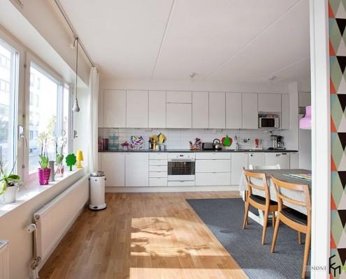 Серый ковер на кухне