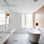 Модные ванные комнаты 2015 года — обилие света, строгость дизайна