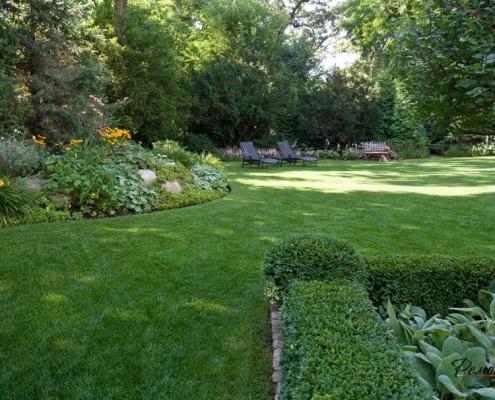 Неповторимы садовый газон