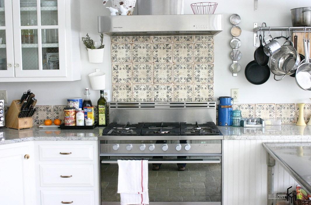 Кафель с рисунком на кухне