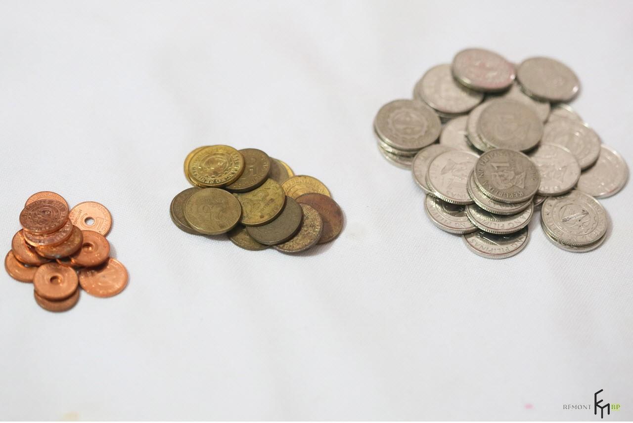 Монеты в трех кучках
