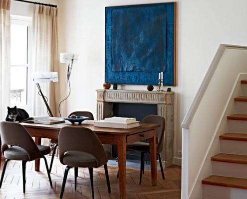 Зона столовой в парижском доме