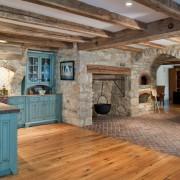 Каменные кухонные стены