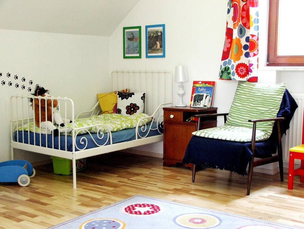 Яркие акценты в детской комнате