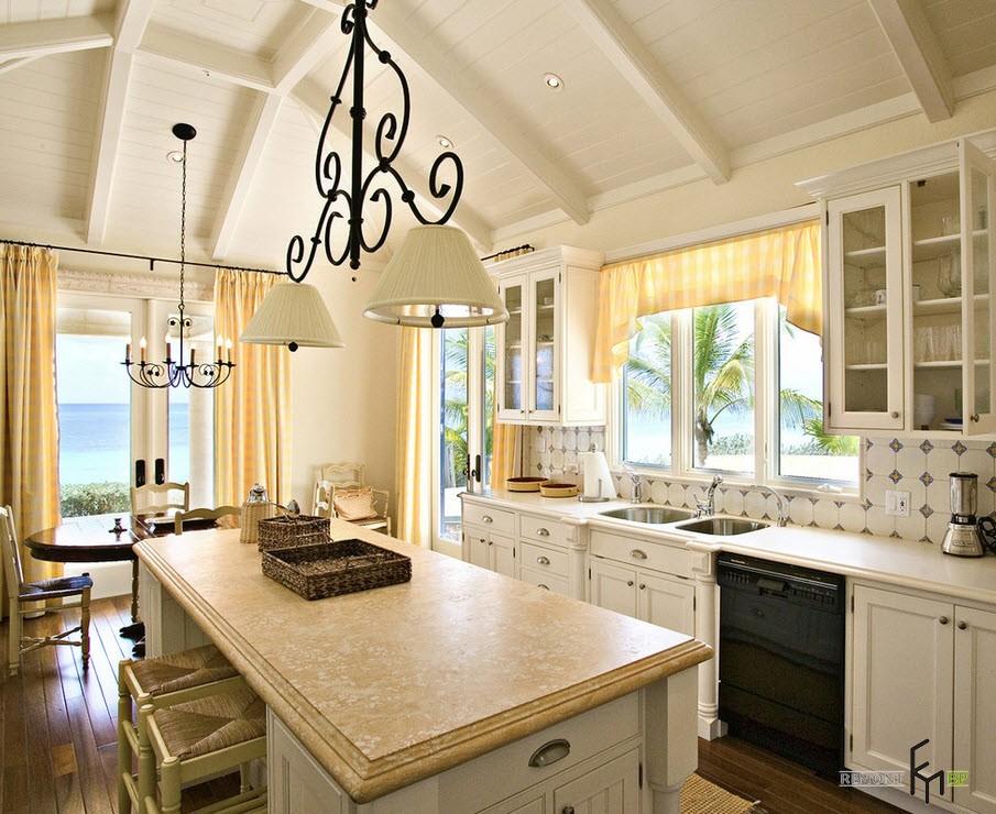 Жёлтые шторы на кухне