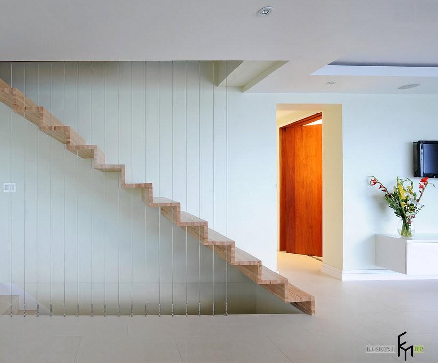 Изящные ограждения для деревянной лестницы