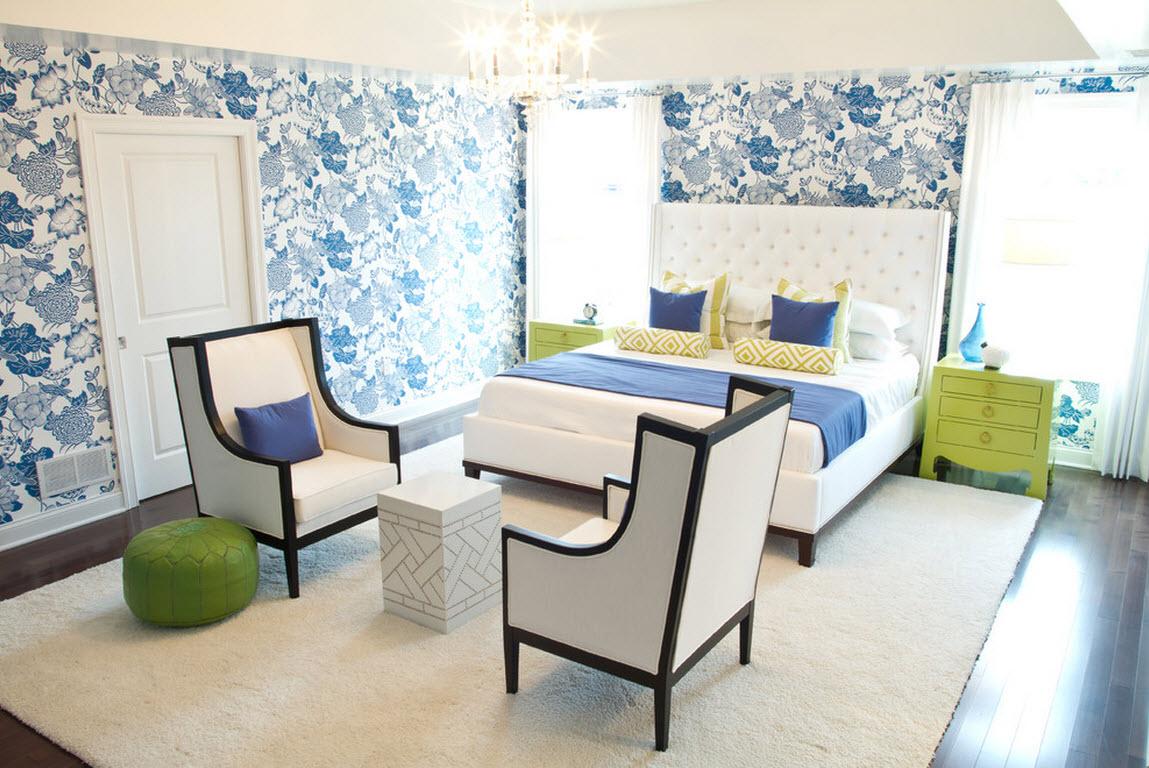 Стулья в спальном интерьере: изысканный дизайн