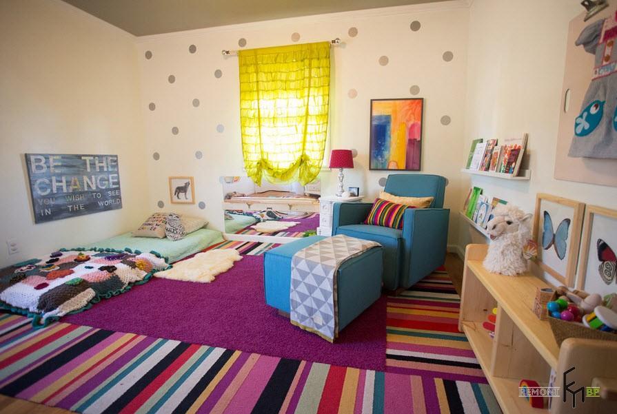 Жёлтые шторы в комнате подростка