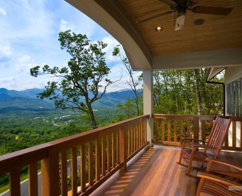 Красивый вид с балкона