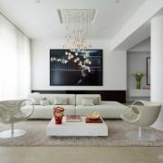 Плазма на стене в гостиной