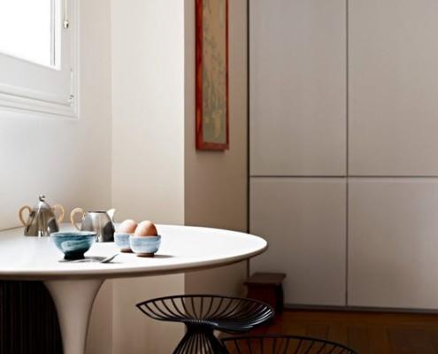 Круглый кухонный столик