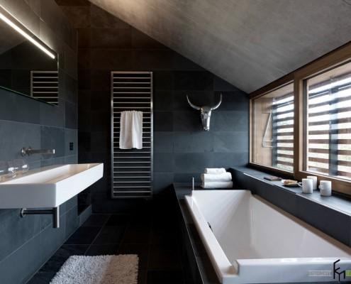 Темные цвета в ванной комнате