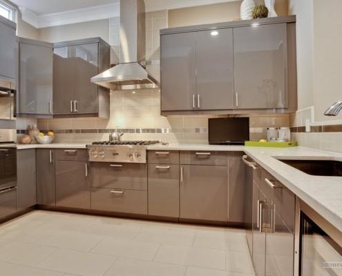Выразительный кафель на кухне