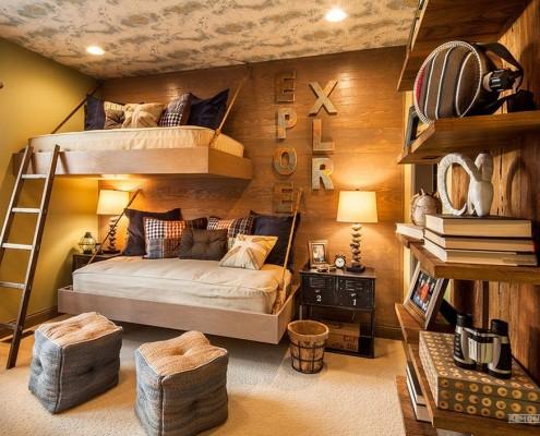 Две подвесные кровати-полки в детской
