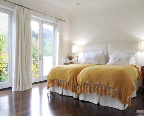 Две кровати в одной комнате