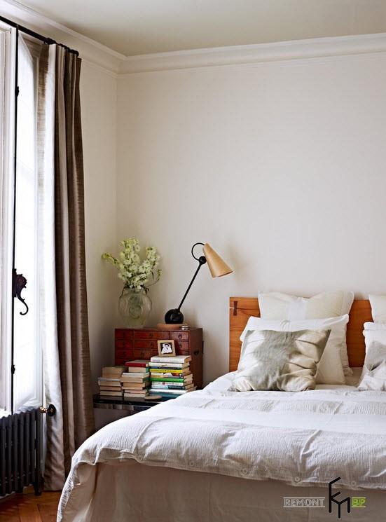 Интерьер парижской спальни