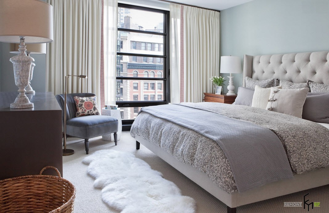 Спальня с динамичным акцентом