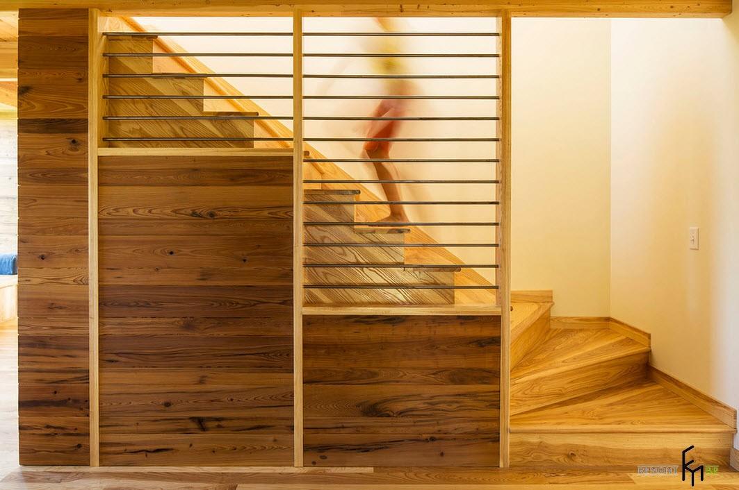 Оригинальные ограждения для деревянной лестницы