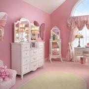 Бабочки в детской комнате